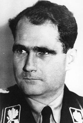 Рудольф Гесс — немецкий государственный и политический деятель, член НСДАП, заместитель Гитлера по партии, рейхсминистр без портфеля