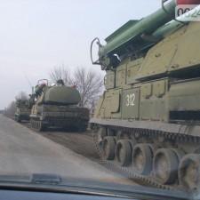 """зенитно-ракетные комплексы """"Бук"""" занимают позиции (март 2014г.)"""